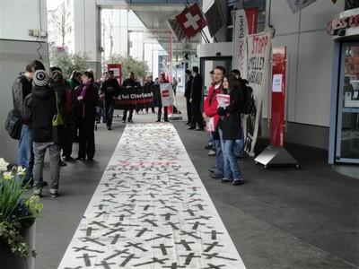 Fotos von der Aktion an der GV (29.3.10) - 12